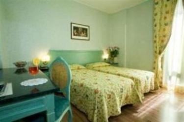 Hotel Principe: Außen SARONNO - VARESE