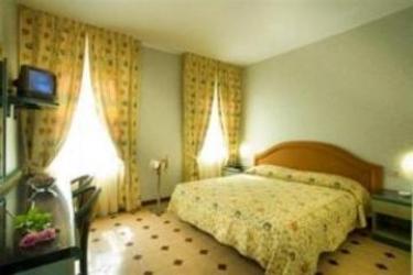 Hotel Principe: Schlafzimmer SARONNO - VARESE
