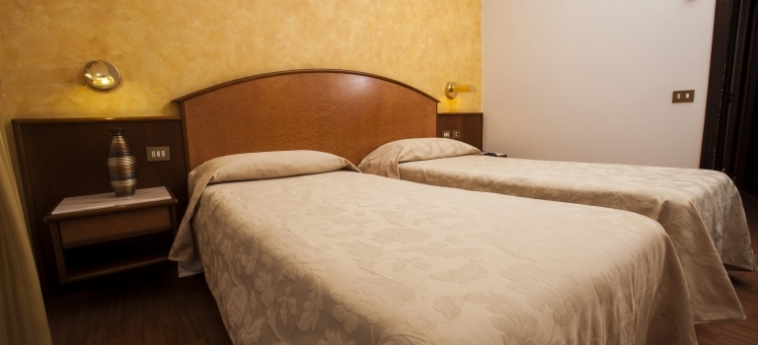 Hotel Concorde: Habitaciòn Doble SARONNO - VARESE