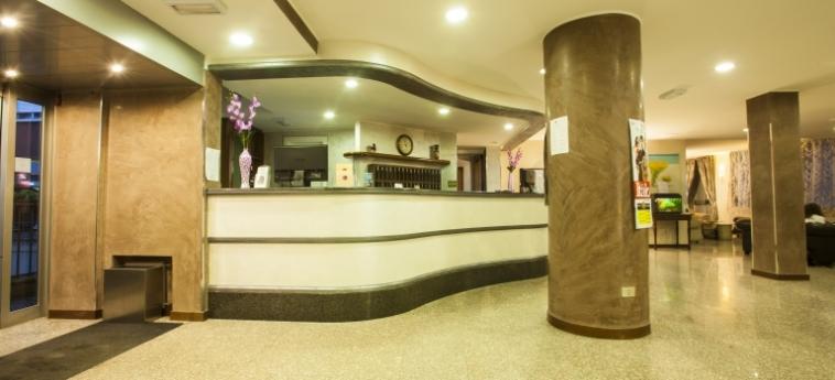 Hotel Concorde: Hall SARONNO - VARESE
