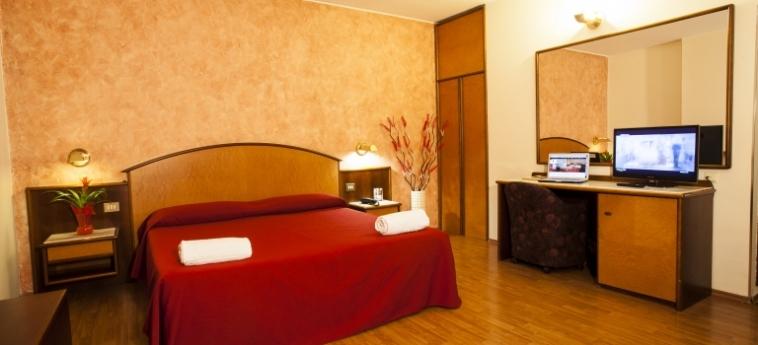 Hotel Concorde: Chambre Double SARONNO - VARESE
