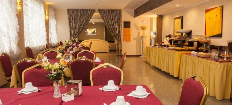 Hotel Concorde: Salle de Petit Déjeuner SARONNO - VARESE