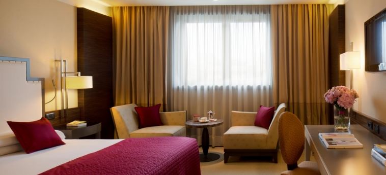 Starhotels Grand Milan: Camera degli ospiti SARONNO - VARESE