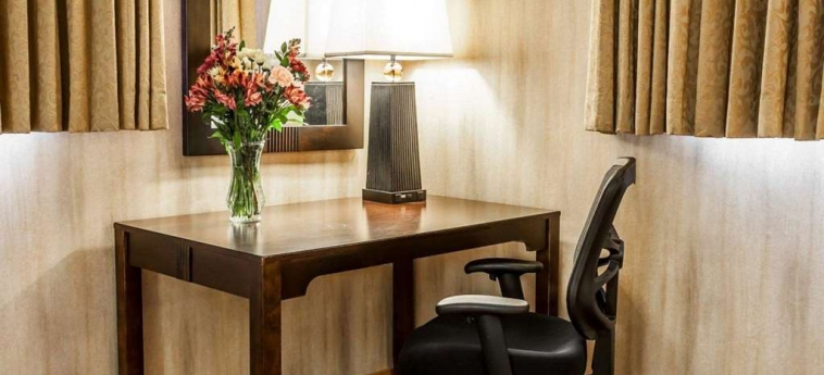 Hotel Quality Inn & Suites Seattle Center: Stanza degli ospiti SEATTLE (WA)