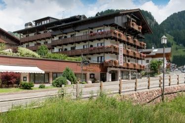 Hotel Residence Antares: Frente Hotel SELVA DI VAL GARDENA - BOLZANO