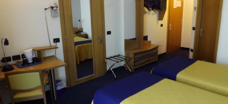 Hotel Mastai: Chambre jumeau SENIGALLIA - ANCONA