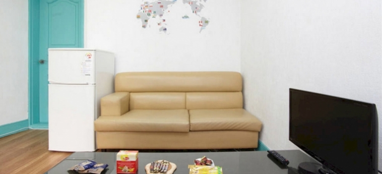 Hotel Cozyplace In Itaewon: Living Room SEOUL