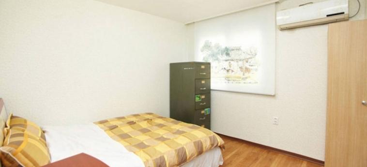 Hotel Cozyplace In Itaewon: Night Club SEOUL