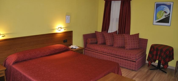 Hotel Sud-Ovest: Chambre SESTRIERE - TORINO