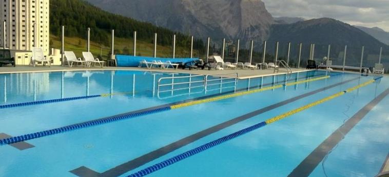 Hotel Sud-Ovest: Swimming Pool SESTRIERE - TORINO