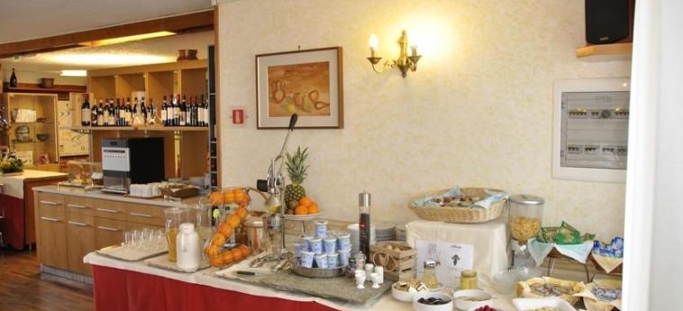 Hotel Sud-Ovest: Frühstück SESTRIERE - TORINO