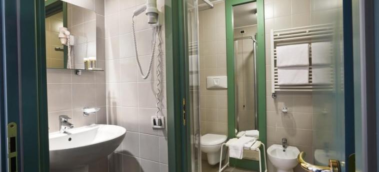 Hotel Villaggio Olimpico Sestriere: Cuarto de Baño SESTRIERE - TORINO
