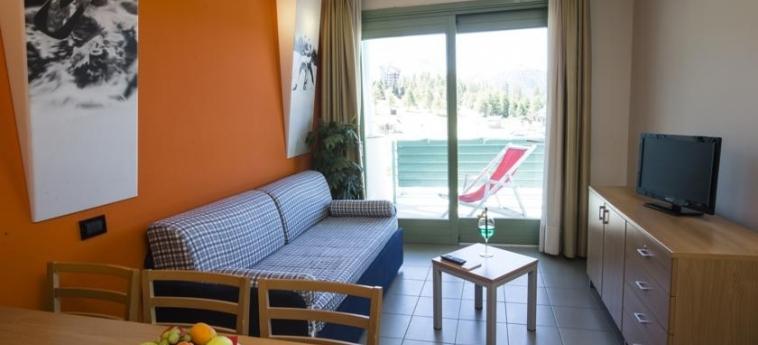 Hotel Villaggio Olimpico Sestriere: Salotto SESTRIERE - TORINO