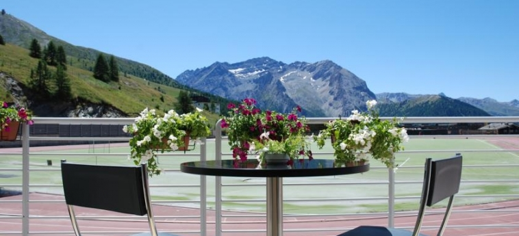 Hotel Lago Losetta: Vista SESTRIERE - TORINO