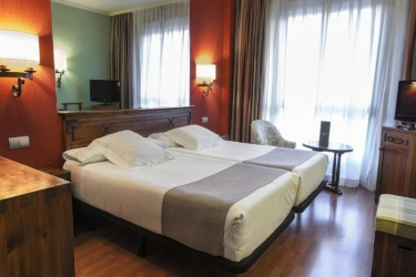 Hotel Zenit Sevilla: Schlafzimmer SEVILLA