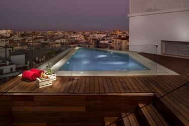 Hotel Gran Melia Colon: Swimming Pool SEVILLA