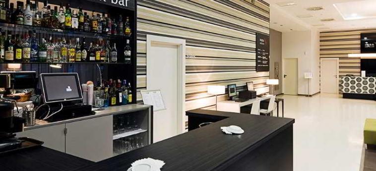 Hotel Yit Vía Sevilla Mairena: Bar SEVILLA