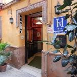 Hotel Hostal Arias