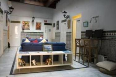 Hostel One Sevilla Alameda: Cour de Recreation SEVILLE