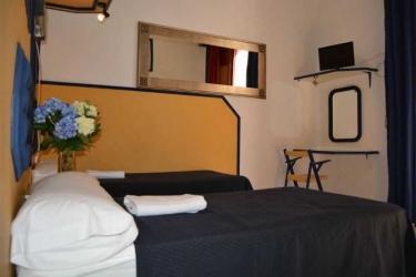 Pension Nuevo Pino: Bedroom SEVILLE