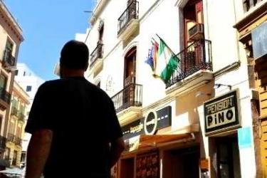Pension Nuevo Pino: Exterior SEVILLE