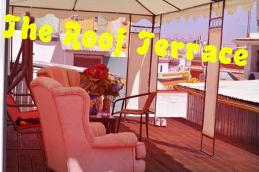Pension Nuevo Pino: Terrace SEVILLE