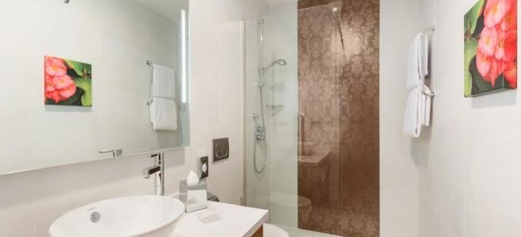 Hotel Hilton Garden Inn Sevilla: Bathroom SEVILLE