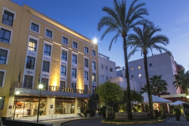 Hotel Zenit Sevilla: Exterior SEVILLE