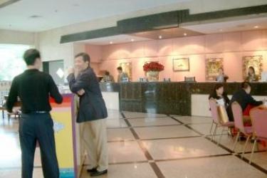 Hotel Windsor Evergreen: Bar SHANGHAI