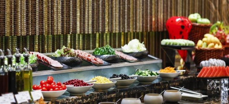Grand Kempinski Hotel Shanghai: Buffet SHANGHAI