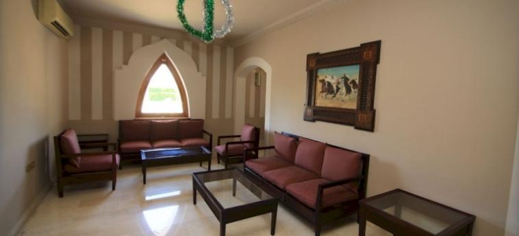 Hotel Club Reef Village: Garage SHARM EL SHEIKH