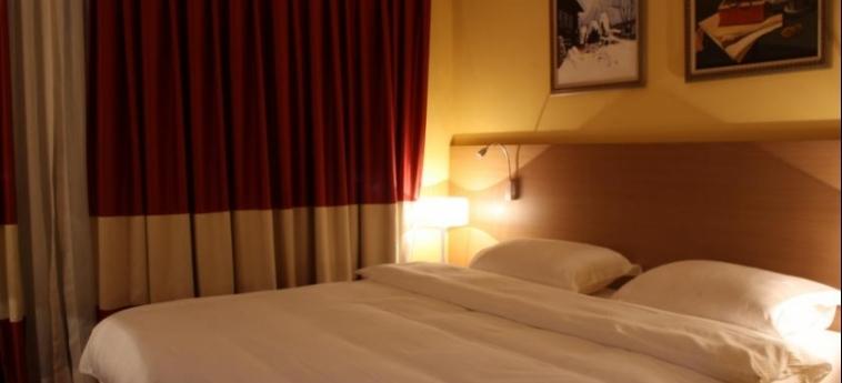 Hotel Colosseo: Chambre SHKODËR