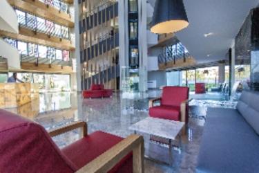 Q Spa Resort Hotel: Hall SIDE