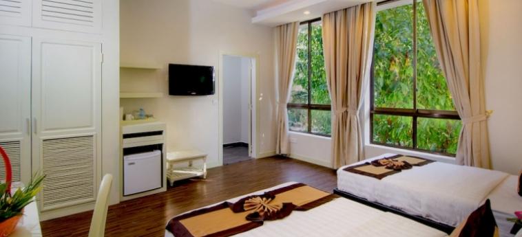 Hotel New Hill Resort & Spa: Giardino SIHANOUKVILLE