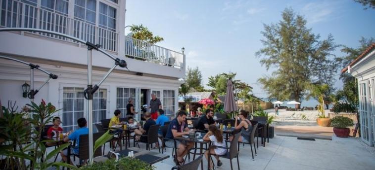 Hotel White Boutique: Bar Exterieur SIHANOUKVILLE