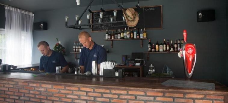 Hotel White Boutique: Bar SIHANOUKVILLE