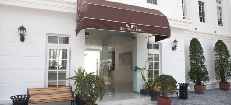 Hotel White Boutique: Entrée SIHANOUKVILLE