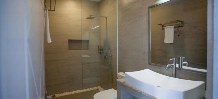 Hotel White Boutique: Salle de Bains SIHANOUKVILLE