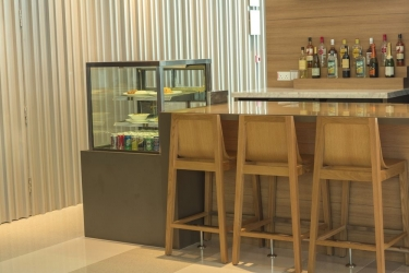 Hotel Holiday Inn Express Singapore Orchard Road: Bar dell'hotel SINGAPORE