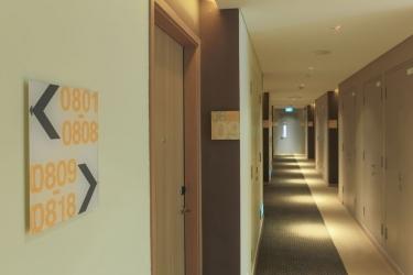 Hotel Holiday Inn Express Singapore Orchard Road: Corridoio SINGAPORE