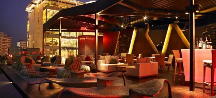 Hotel Naumi: Außen Bar SINGAPUR