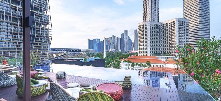 Hotel Naumi: Terrasse SINGAPUR