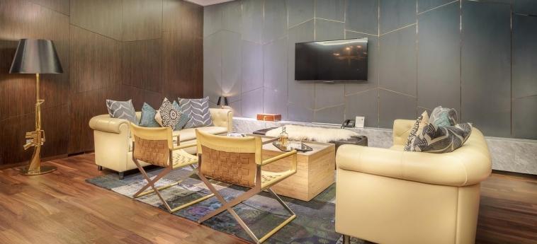 Hotel Naumi: Wohnzimmer SINGAPUR