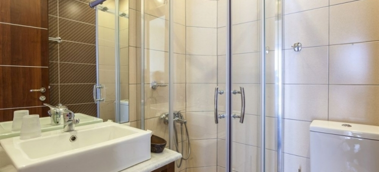 Hotel Blue Green Bay: Badezimmer SKOPELOS