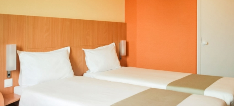 Hotel Ibis Sofia Airport: Chambre jumeau SOFIA