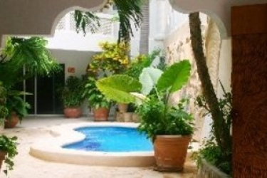 Alhambra Beach Hotel : Außenschwimmbad SOLIDARIDAD