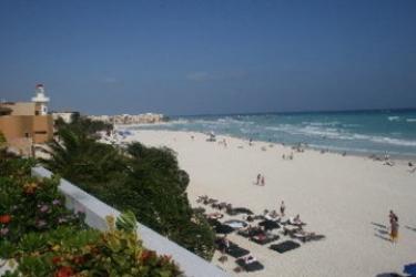 Alhambra Beach Hotel : Strand SOLIDARIDAD