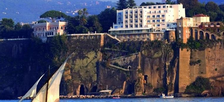 Hotel Parco Dei Principi: Facade SORRENTO AREA - NAPOLI