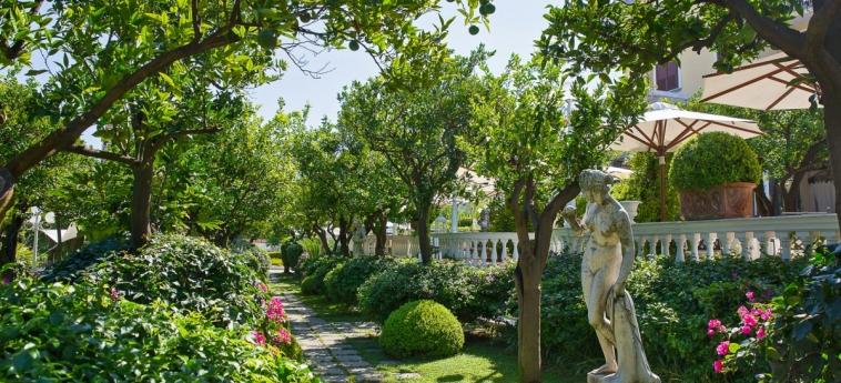 La Medusa Hotel & Boutique Spa: Jardín SORRENTO - NAPOLI