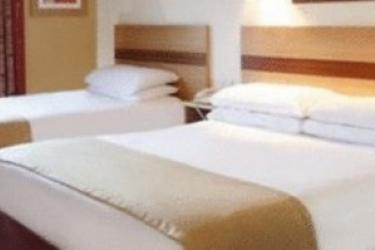 Hotel Jurys Inn Southampton: Dreibettzimmer SOUTHAMPTON